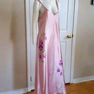 Valerie Stevens night gown
